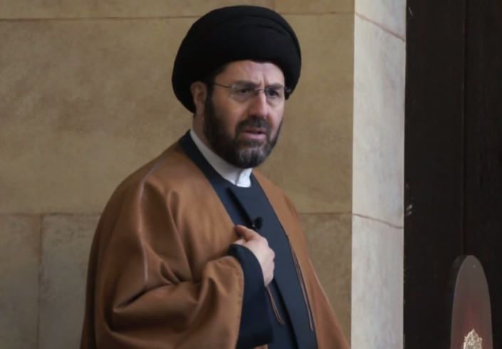 Imam Sayyed Hassan Qazwini resigns from ICA during Friday prayers.