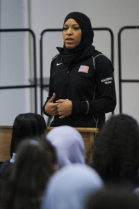 U.S. Fencing's Ibtihaj Muhammad talks to students